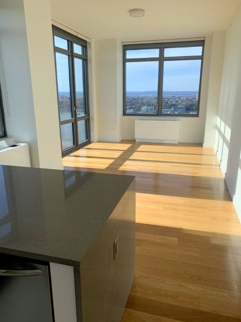 3 Bedrooms, Hell's Kitchen Rental in NYC for $4,950 - Photo 1