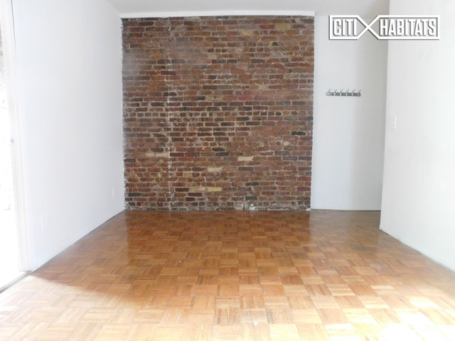 3 Bedrooms, Gramercy Park Rental in NYC for $4,060 - Photo 2