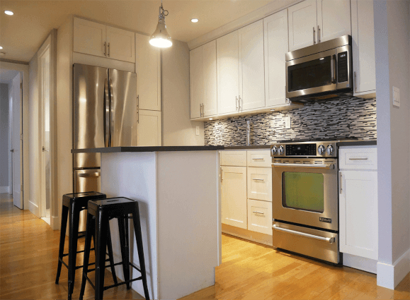 2 Bedrooms, Turtle Bay Rental in NYC for $3,462 - Photo 2