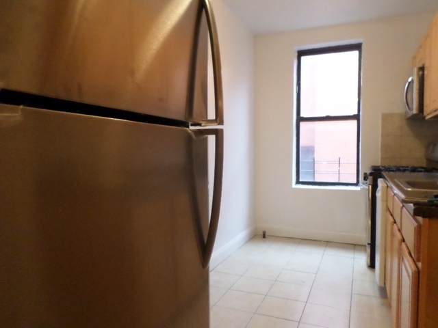 2 Bedrooms, Jackson Heights Rental in NYC for $1,800 - Photo 2
