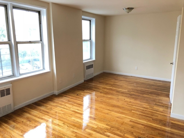 2 Bedrooms, Flushing Rental in NYC for $2,595 - Photo 2