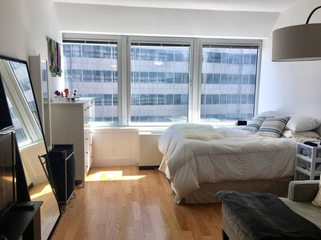 3 Bedrooms, Financial District Rental in NYC for $3,200 - Photo 2