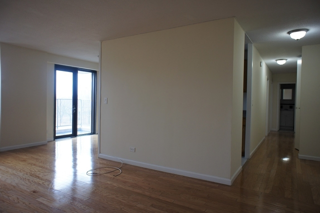 2 Bedrooms, Stratton Park Rental in NYC for $2,200 - Photo 2