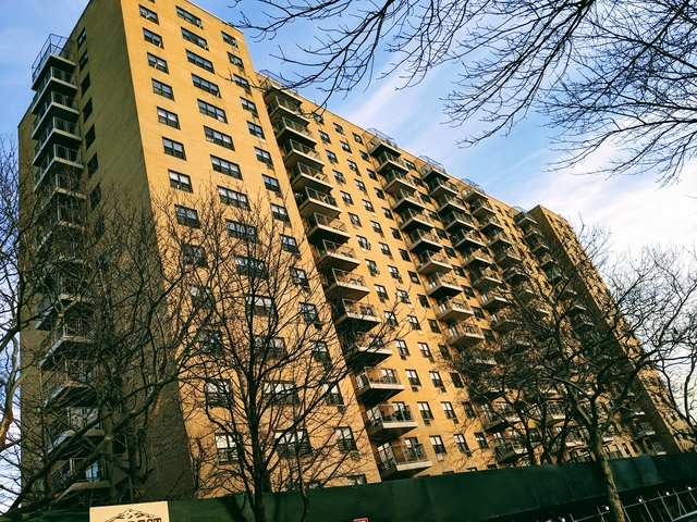 2 Bedrooms, Stratton Park Rental in NYC for $2,200 - Photo 1