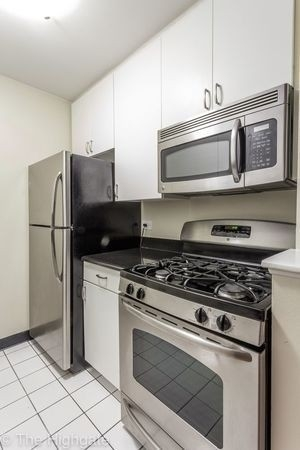 2 Bedrooms, Upper East Side Rental in NYC for $3,725 - Photo 2