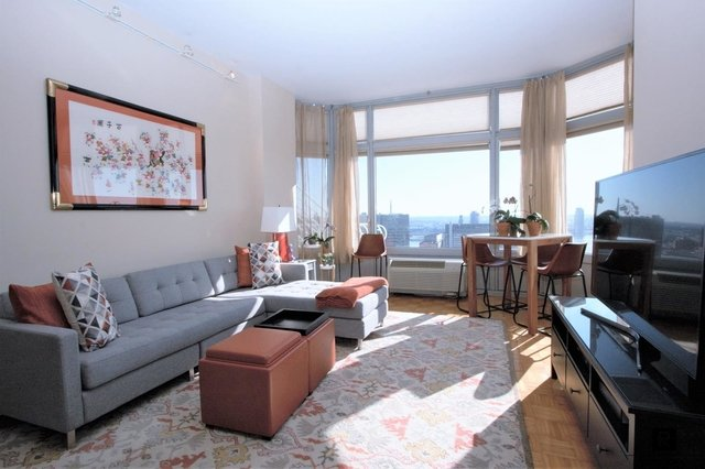 1 Bedroom at 200 East 32nd Street posted by Paul Zumoff for