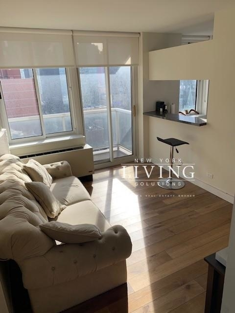 2 Bedrooms, Hell's Kitchen Rental in NYC for $3,741 - Photo 1