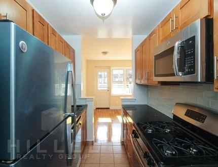 2 Bedrooms, Flushing Rental in NYC for $2,595 - Photo 1