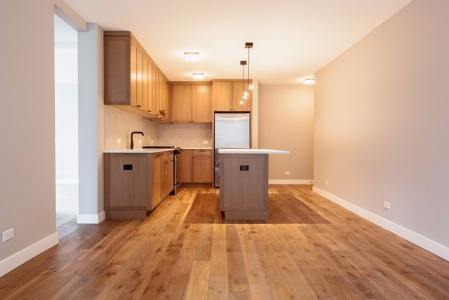 3 Bedrooms, Hell's Kitchen Rental in NYC for $6,780 - Photo 2