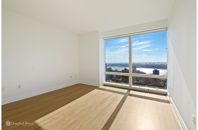 2 Bedrooms, Hell's Kitchen Rental in NYC for $13,800 - Photo 1