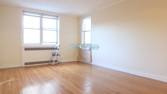2 Bedrooms, Forest Hills Rental in NYC for $2,450 - Photo 1