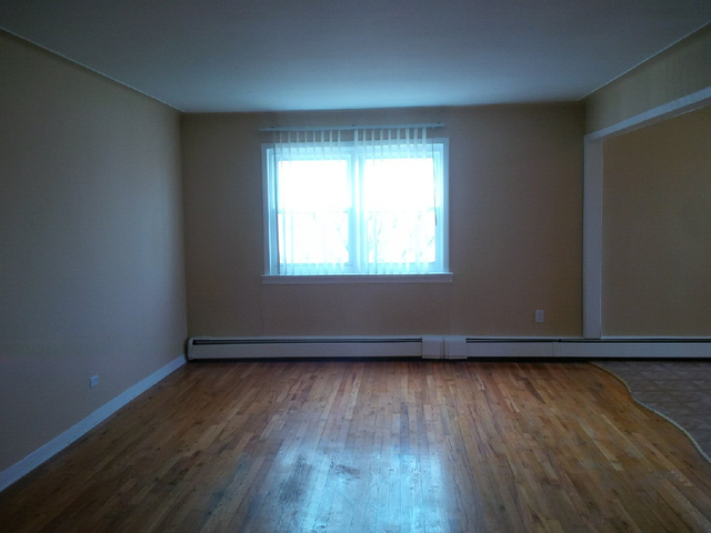 2 Bedrooms, Bath Beach Rental in NYC for $2,100 - Photo 2