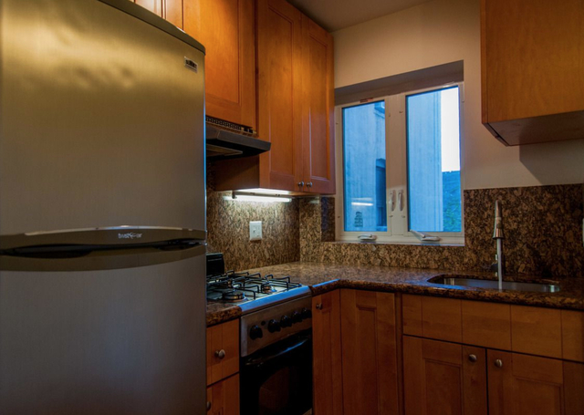 2 Bedrooms, Williamsburg Rental in NYC for $1,749 - Photo 2