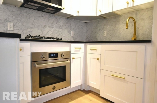 1 Bedroom, Two Bridges Rental in NYC for $3,368 - Photo 1