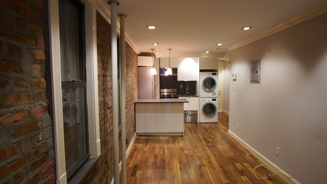 3 Bedrooms, Little Italy Rental in NYC for $4,917 - Photo 2
