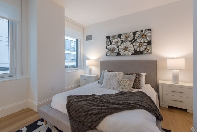 3 Bedrooms, Hell's Kitchen Rental in NYC for $5,534 - Photo 1