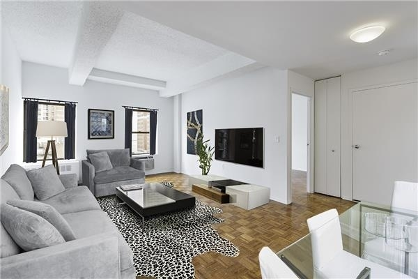 2 Bedrooms, Chelsea Rental in NYC for $5,150 - Photo 2