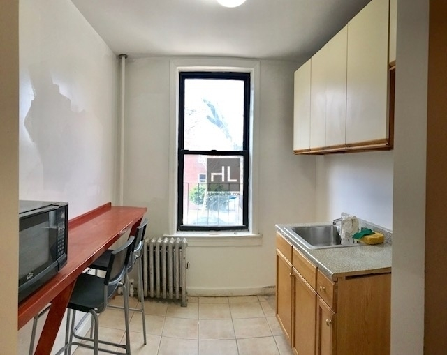 2 Bedrooms, Sunnyside Rental in NYC for $1,950 - Photo 2