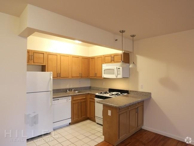 2 Bedrooms, Long Island City Rental in NYC for $2,725 - Photo 1