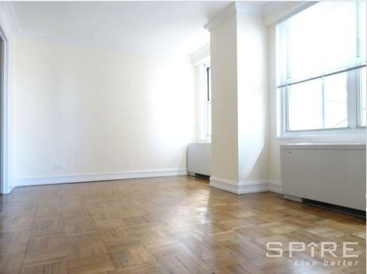 Studio, Theater District Rental in NYC for $2,675 - Photo 2