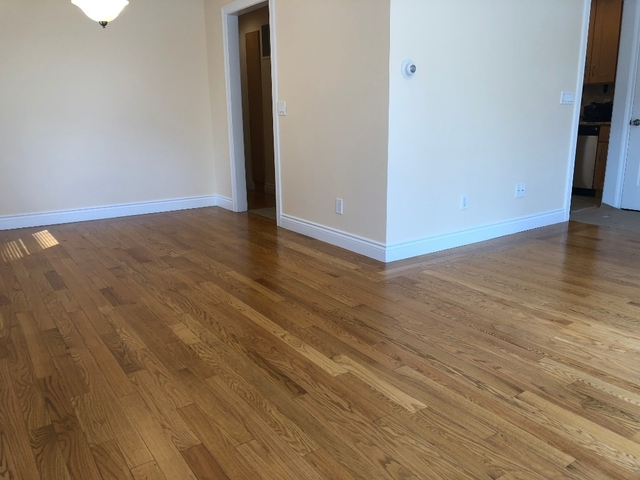 3 Bedrooms, Sunnyside, Staten Island Rental in NYC for $2,200 - Photo 2
