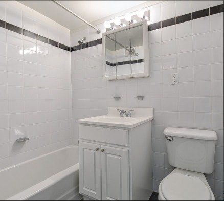 1 Bedroom, Yorkville Rental in NYC for $3,438 - Photo 2