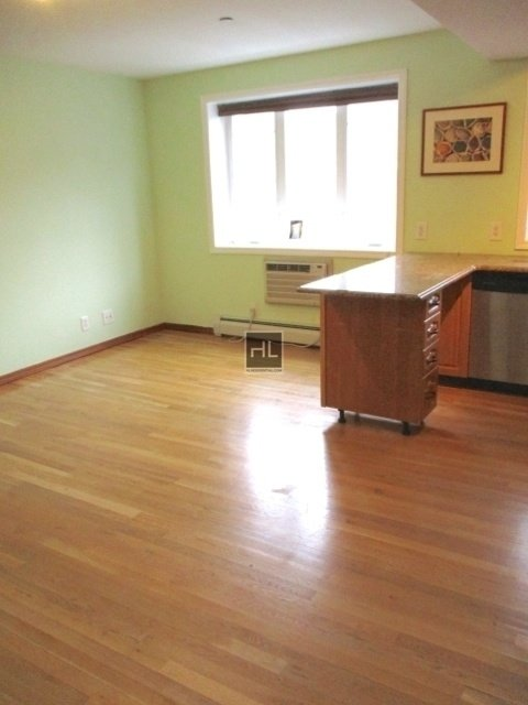 2 Bedrooms, Manhattan Terrace Rental in NYC for $2,550 - Photo 2