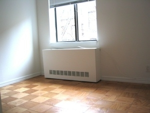 2 Bedrooms, Hell's Kitchen Rental in NYC for $5,225 - Photo 2