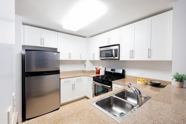 2 Bedrooms, Newport Rental in NYC for $4,100 - Photo 1