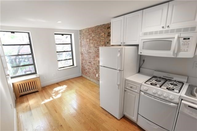 1 Bedroom, West Village Rental in NYC for $2,600 - Photo 1