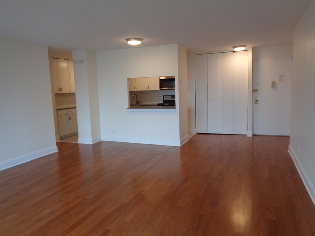 Room, East Harlem Rental in NYC for $1,075 - Photo 2