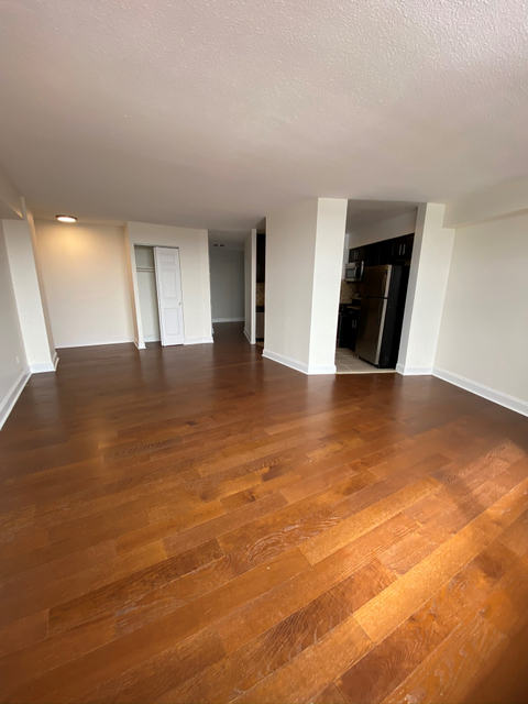 Room, Manhattanville Rental in NYC for $1,050 - Photo 2