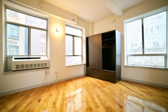 1 Bedroom, Long Island City Rental in NYC for $2,450 - Photo 2