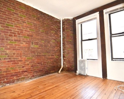 3 Bedrooms, Gramercy Park Rental in NYC for $3,990 - Photo 2