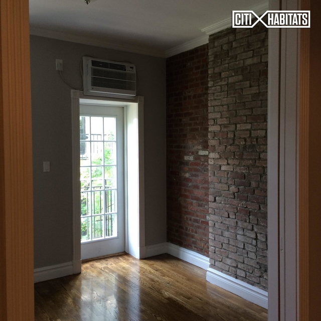 2 Bedrooms, East Village Rental in NYC for $3,596 - Photo 2