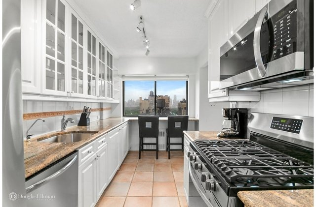 2 Bedrooms, Lincoln Square Rental in NYC for $6,250 - Photo 1