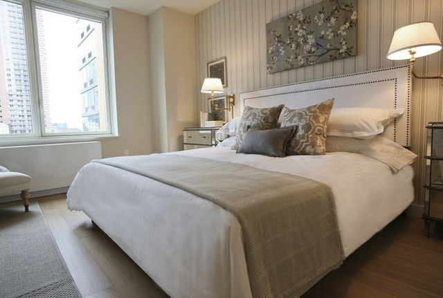 3 Bedrooms, Hell's Kitchen Rental in NYC for $5,995 - Photo 2