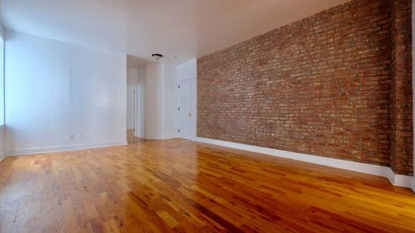 2 Bedrooms, Washington Heights Rental in NYC for $2,995 - Photo 2