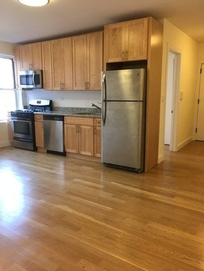 2 Bedrooms, Inwood Rental in NYC for $2,395 - Photo 1