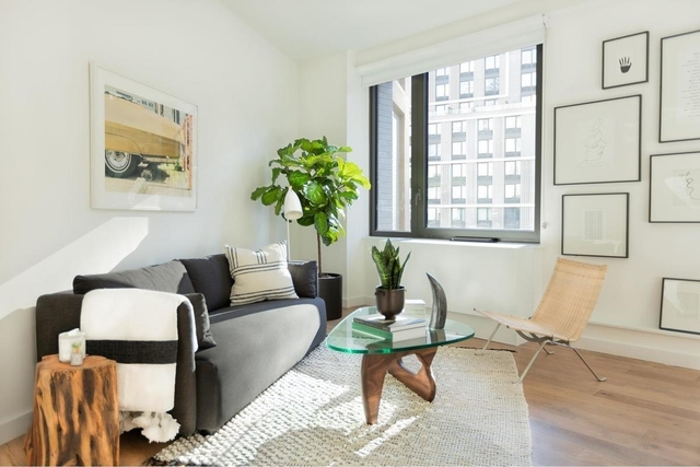 Studio, Hell's Kitchen Rental in NYC for $3,128 - Photo 2