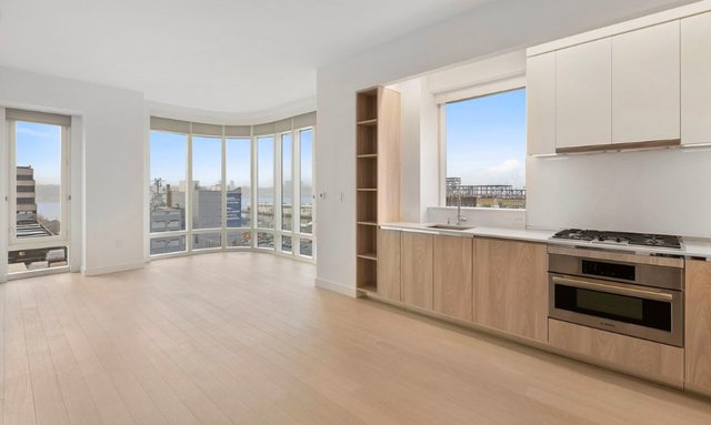 1 Bedroom, Hell's Kitchen Rental in NYC for $4,414 - Photo 2