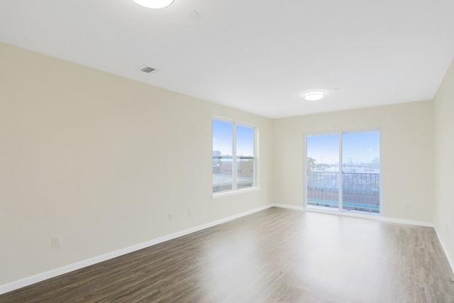 2 Bedrooms, Rockaway Beach Rental in NYC for $2,400 - Photo 2