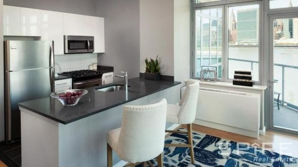 2 Bedrooms, Hunters Point Rental in NYC for $4,187 - Photo 1