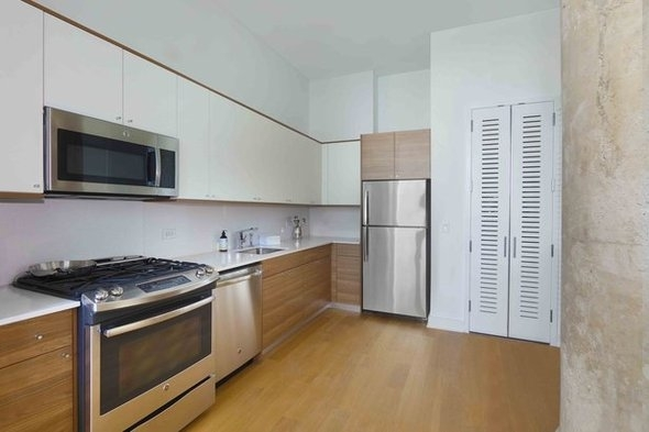 1 Bedroom, Long Island City Rental in NYC for $3,342 - Photo 2