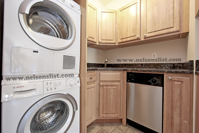 2 Bedrooms, North Slope Rental in NYC for $3,250 - Photo 2