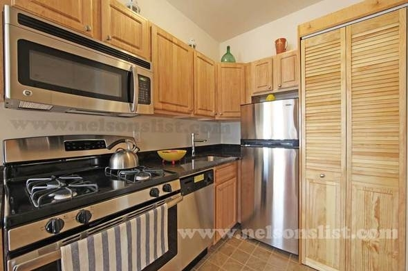 1 Bedroom, South Slope Rental in NYC for $2,683 - Photo 2