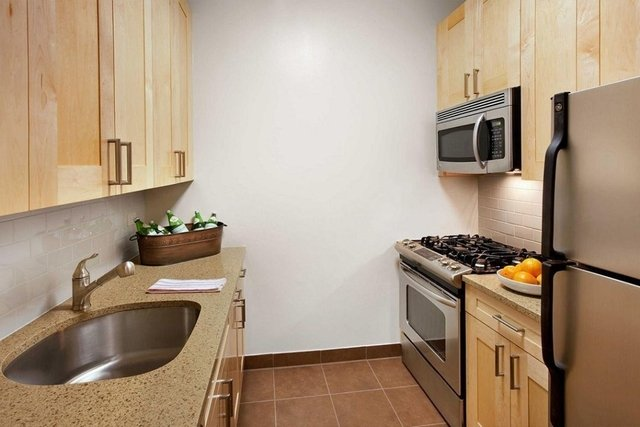 1 Bedroom, Financial District Rental in NYC for $3,872 - Photo 2