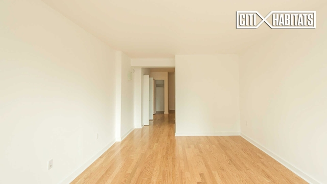 1 Bedroom, Lincoln Square Rental in NYC for $4,203 - Photo 2