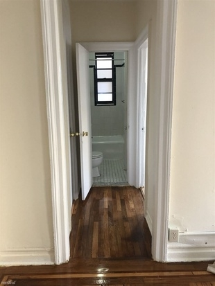 3 Bedrooms, Throgs Neck Rental in NYC for $2,300 - Photo 2