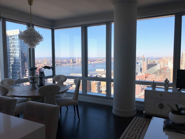 2 Bedrooms, Hell's Kitchen Rental in NYC for $6,829 - Photo 1